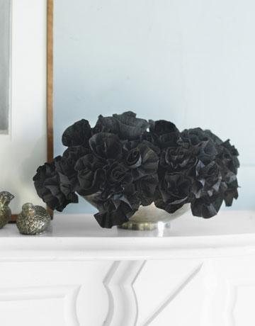 DIY-Halloween-Decorations-paper-flower-step-4-1010.jpg-de