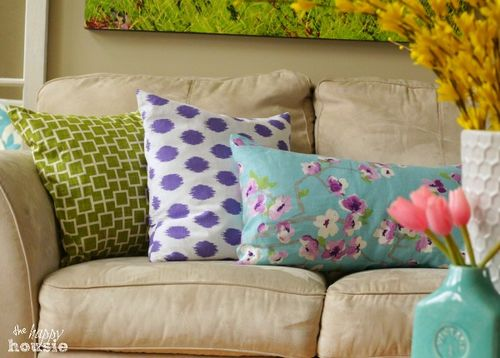 Simple-Stunning-DIY-Envelope-Pillow-Tutorial-3-at-The-Happy-Housie