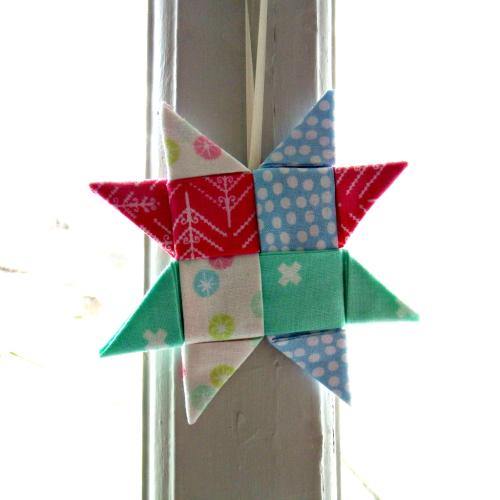 Folded-fabric-festive-star-tutorial-by-very-berry-handmade1