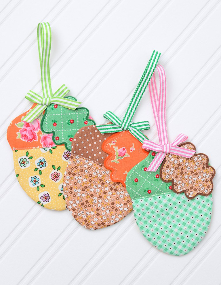 Acorn-Fabric-Ornament-3