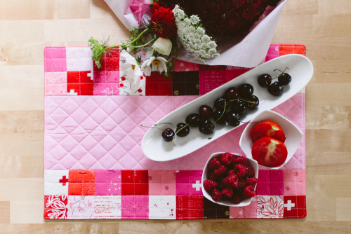 Placemat-just-red-by-zen-chic-4