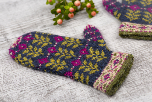 Green_Shoots_Mittens-23_medium2